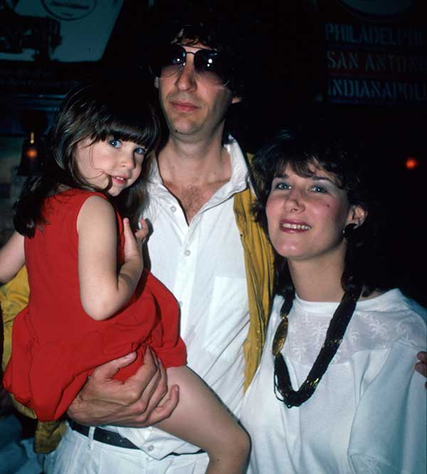 Image of Alison Berns with her husband and kid
