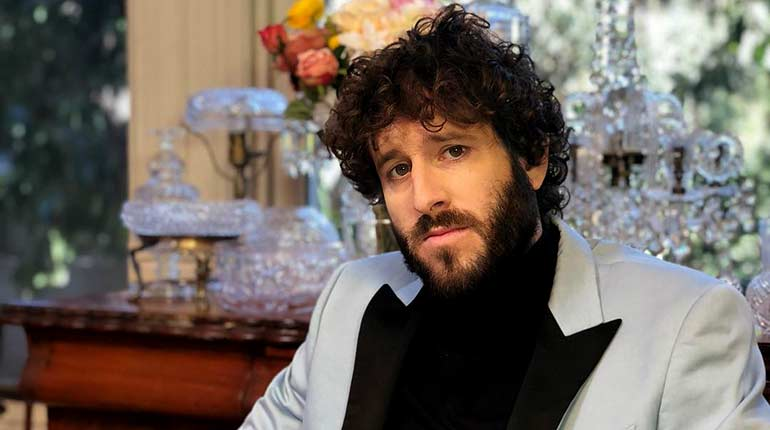 Image of Lil Dicky, net worth, house and car, relationship status, height and weight, wiki bio