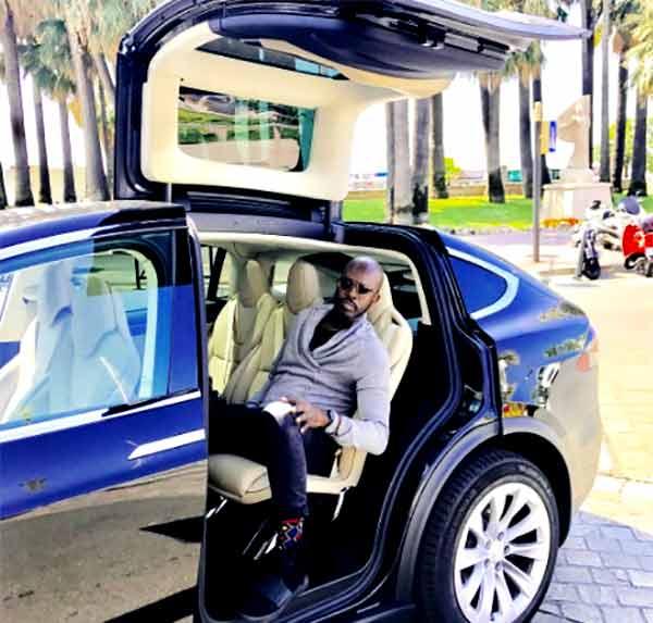 Image of Song writer, Nas car
