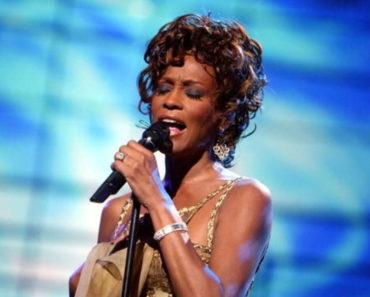 Whitney-Houston-Net-Worth